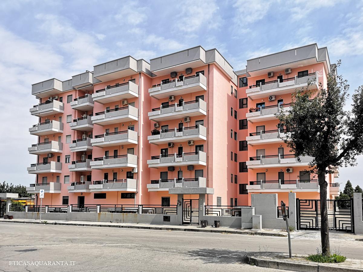 Trilocale in vendita con posto auto e garage, Via Tiziano, San Giorgio Ionico