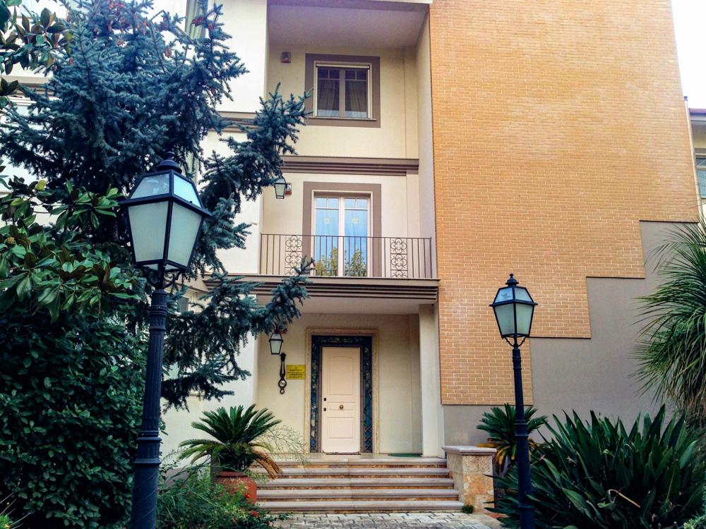 Vendesi appartamento di 5 vani con giardino in San Giorgio Ionico